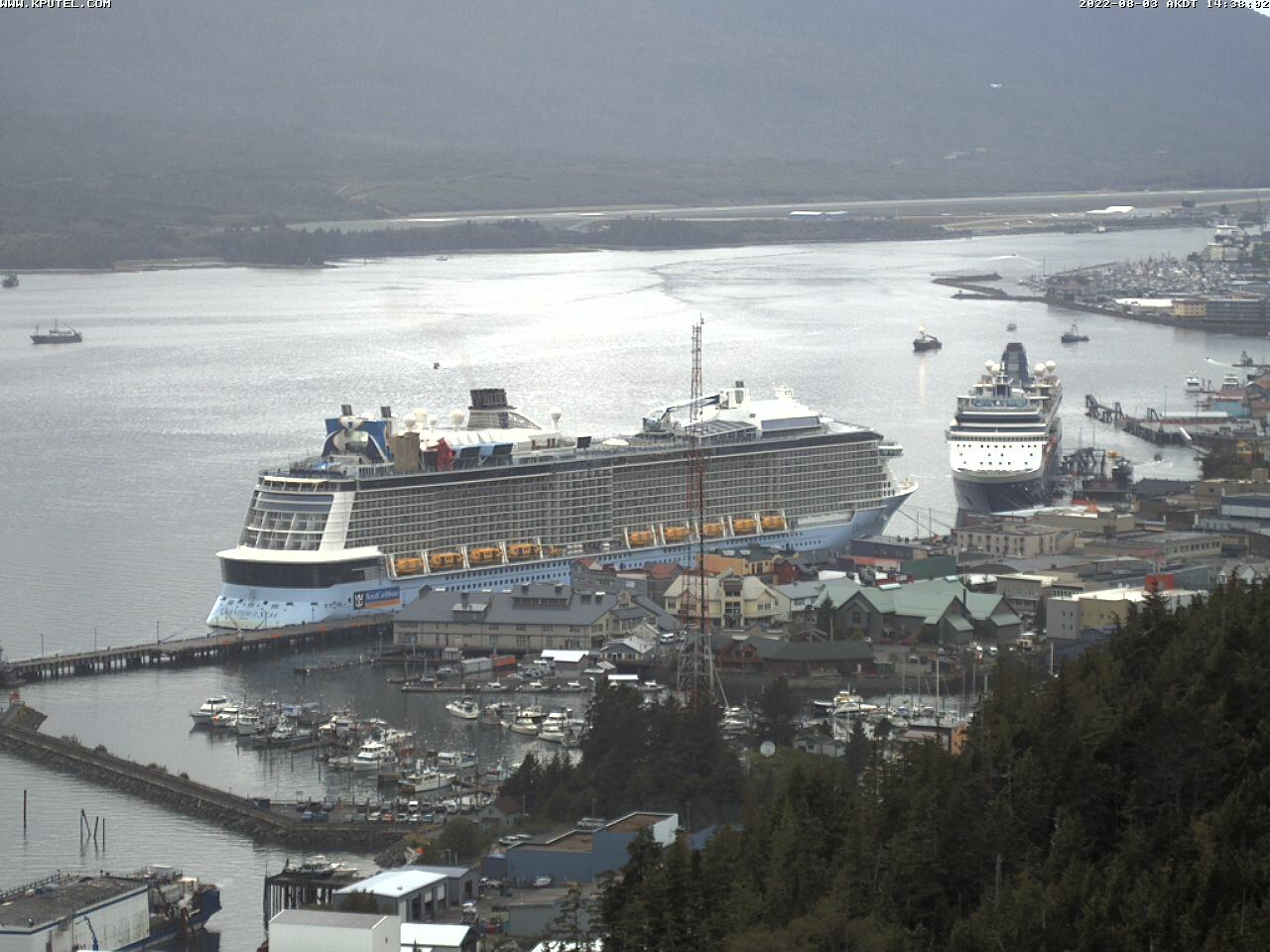 Live webcam from Thomas Basin from the Alaska Fish House