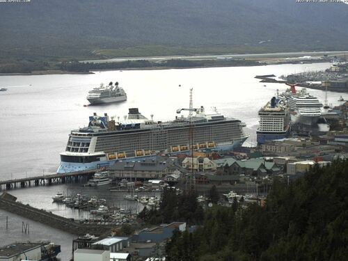 Webcam 7 looks over Ketchikan old downtown area and cruise ships.